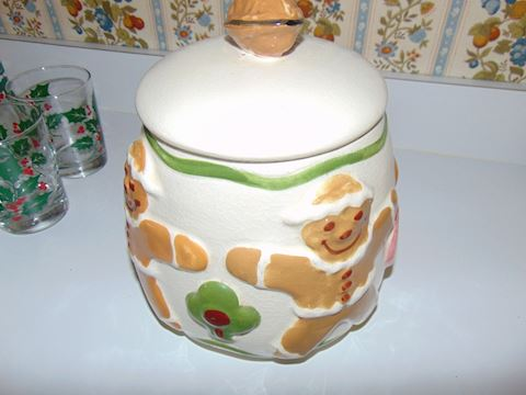 USA Pottery Cookie Jar