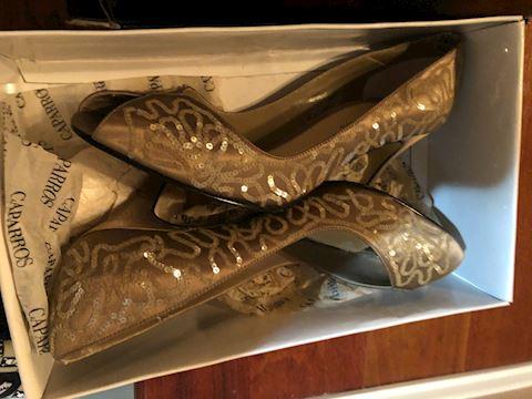 Fancy Caparro Brown Shoes size 8