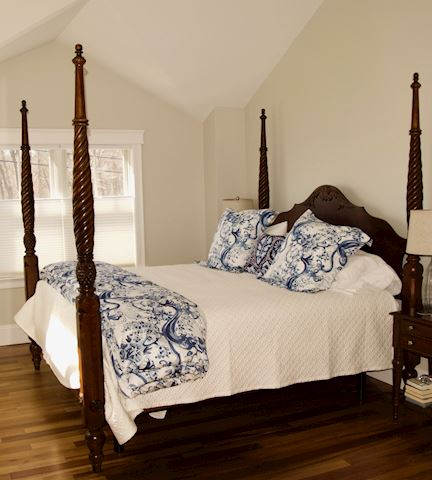 Ethan Allen Mahogany Four Poster Bed