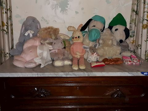 MB  335   Various stuffed animals
