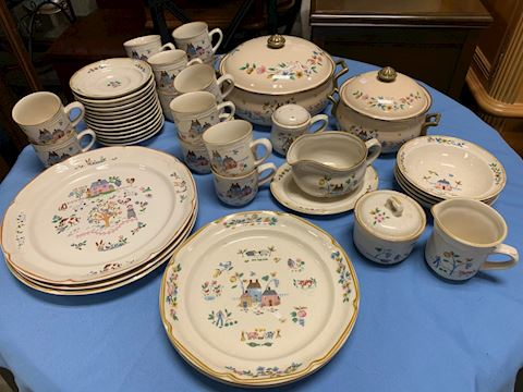 Set of Heartland Dishes