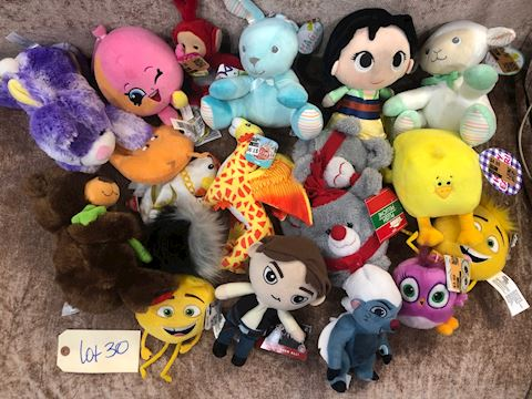Lot of Assorted Stuffed Animals LOT 30