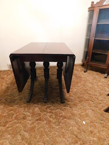175 Dining Drop Leaf Table w/3 Leaves & 4 Chairs