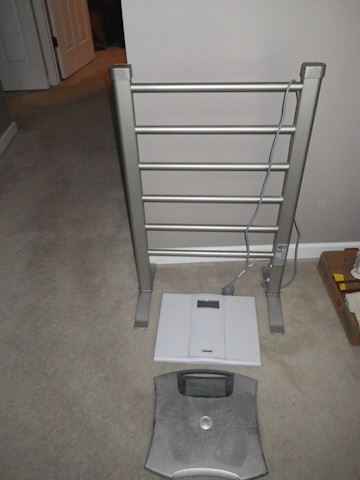 Towel Warming Rack and 2 Scales