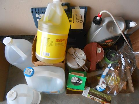 Lot #166 cleaning supplies