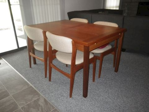 Mobler Table and 4 Benny Linden Chairs