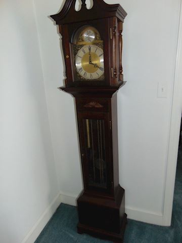 Vintage Grandmother's Clock