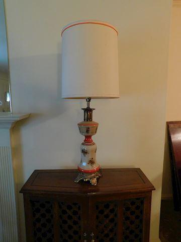 192 Vintage Asian Motif  Lamp