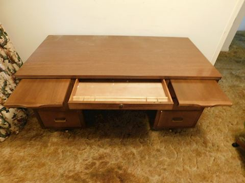 078  Seven Drawer Wood Desk