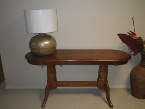 Sofa Table with Lamp