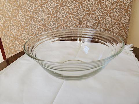 Clear glass salad bowl