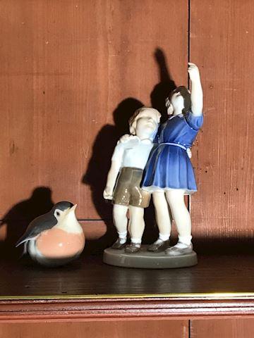 Liv.  550.  Small figurines