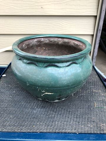 Green ceramic planter - 8""