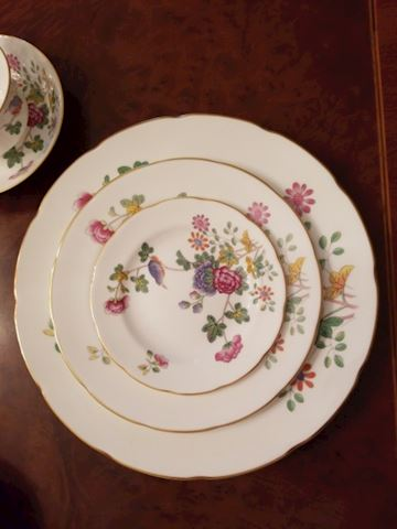 "Wedgewood China ""Cuckoo""~14 Five pc place settings"