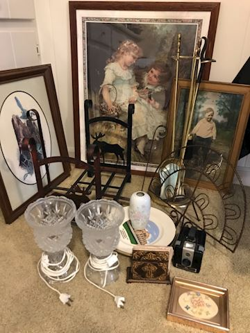 Mixed lot decor, lamps, framed prints PLUS