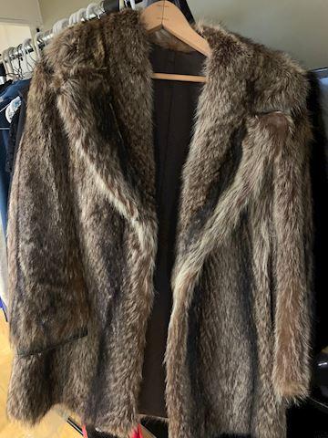 Women's Clothing, Fur Coat