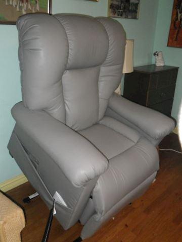 Ultra Comfort Power Lift Chair