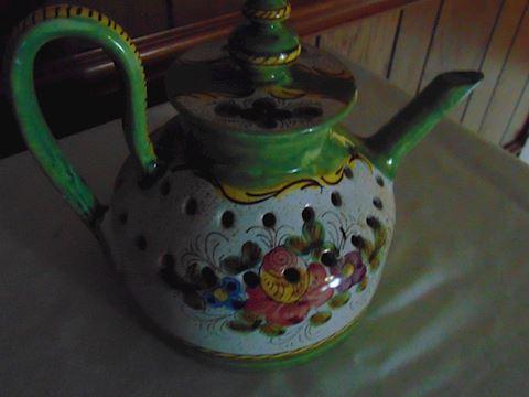 Italian tea pot