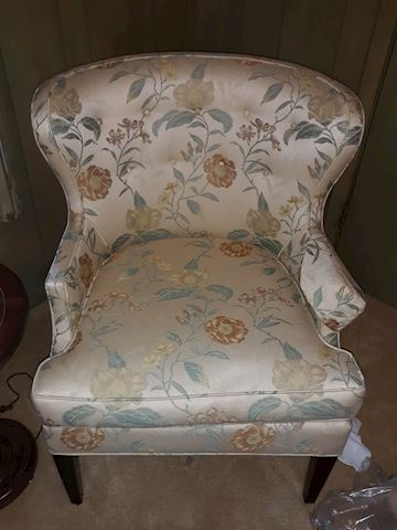 BD1  108  Sitting Chair