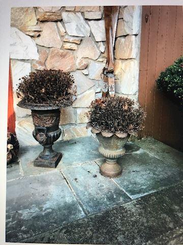 2 small iron pots