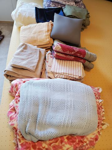 Lot of Full and Queen Bed Duvet covers, blankets,