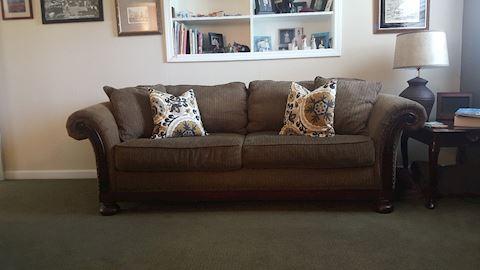 423025 Bernhardt Sofa