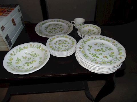 Petit Flora Dishes