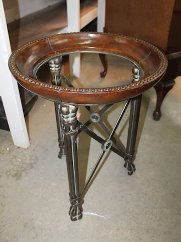 Metal Hoof Foot Round Side Table, no glass