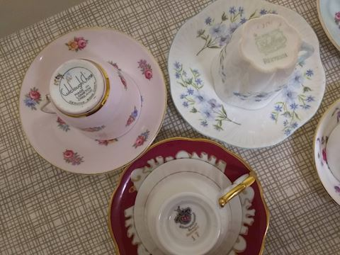 K  100   Assorted China cups & saucers