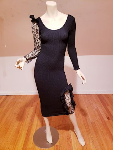 Vtg Scrunchie black body con dress Lace ruffle