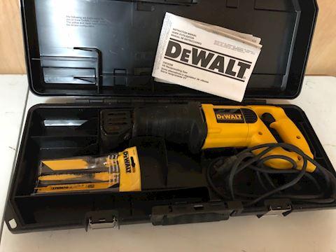 DeWalt reciprocating saw with case DW303M