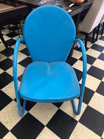 Metal yard chair vintage
