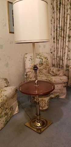 Sr   305   Table Lamp