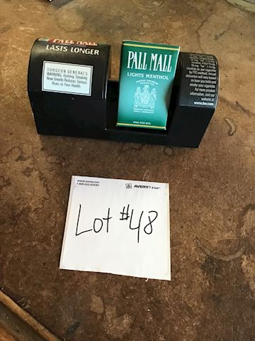 Cigarette Pall Mall display Lot 48