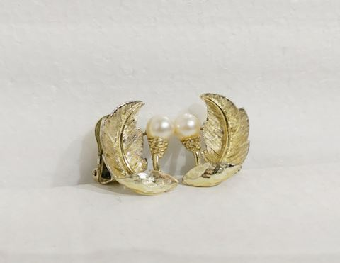 Cultured Pearl GOLD Earrings 1950s Vintage Jewelry