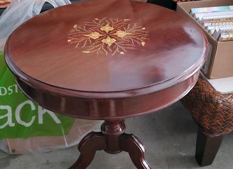 Dark Wood  Pedestal Round Side Table