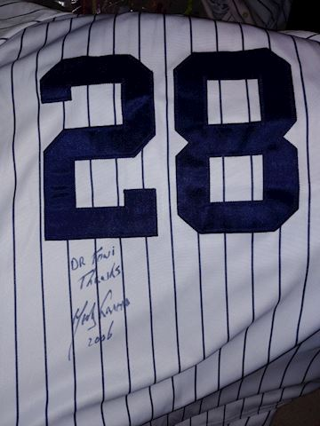 New York Yankees autographed Jersey#28