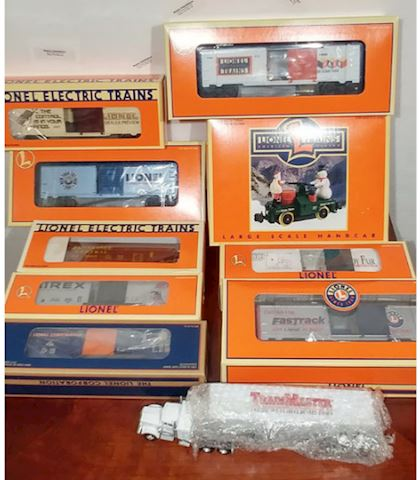 Lionel Trains 10 Piece Bundle - NEW IN BOX