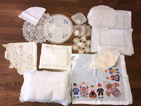 Miscellaneous Linens Lot