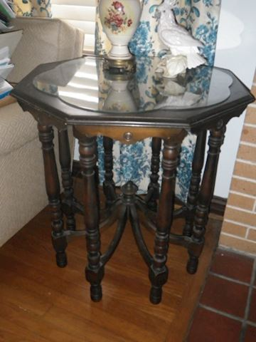 Octopus Accent Table