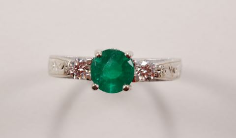 Emerald Ring w/ Diamonds 14K GOLD - Estate Jewelry
