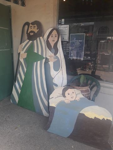 Large wooden Mary, Joseph & baby Jesus