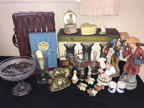Mixed lot small decor, candle holders, brass