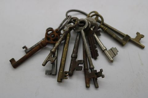 Lot of 13 Antique Skeleton Keys