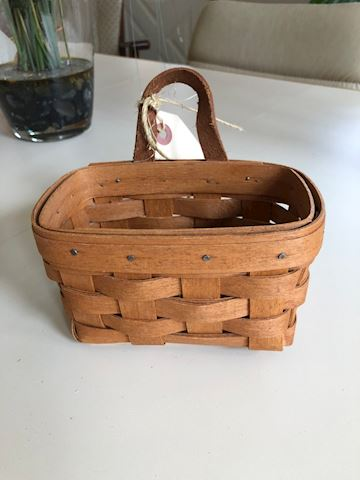 Longaberger basket  leather handle - 1989
