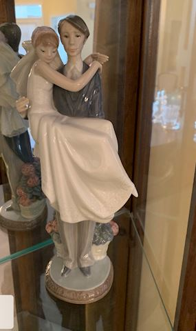 "Lladro ""Over the Threshold"" 5282"