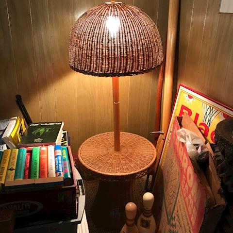 2 Wicker lamps