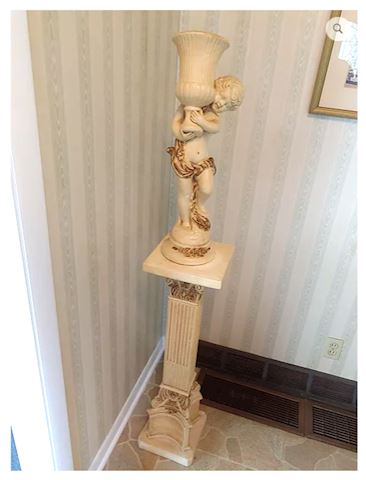 Statue Baby w/ Vase