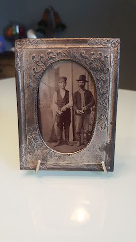 423013 Tin type picture