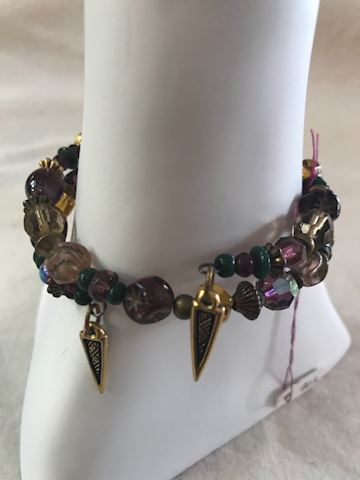 Beaded memory wire bracelet 90's